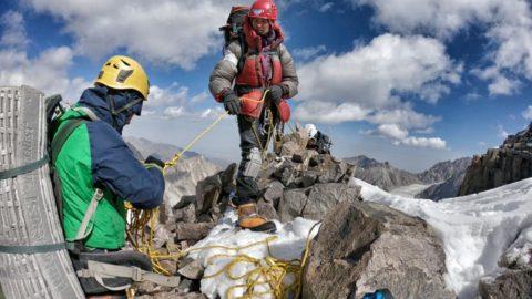 Київські альпіністи Тарас Іванов та Станіслав Яндульській сходили надскладний технічний маршрут у складі міжнародної команди
