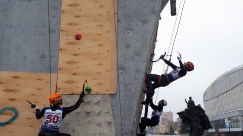 Змагання в Харькові з ледолазіння, дисципліна боулдеринг